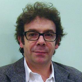 Dr. Martín Becerra